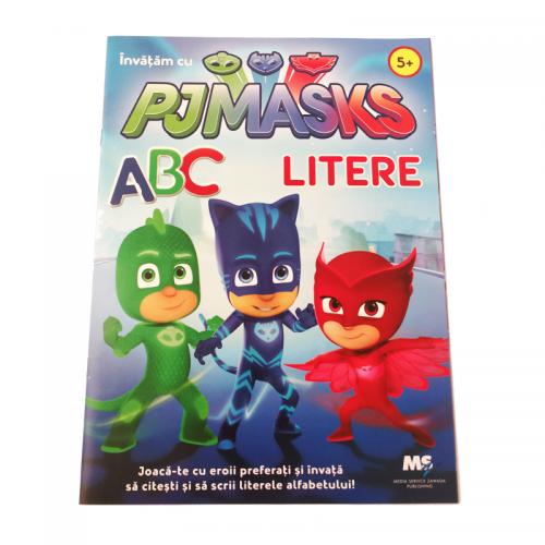 Carte de colorat cu litere si cuvinte PJ Masks