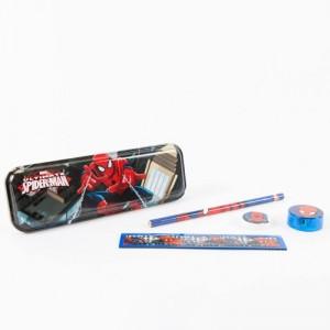 Penar Spider-Man echipat metal